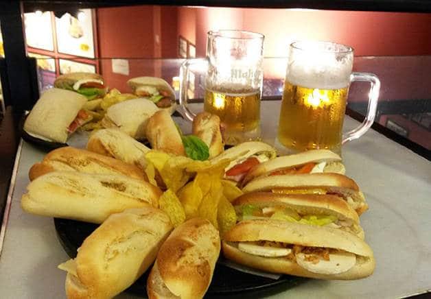 Cervecer a 100 montaditos petits sandwichs et bi re pas chers for Repas entre copines pas cher