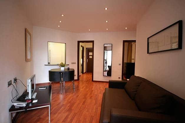 madanis des appartements pas chers pr s du camp nou. Black Bedroom Furniture Sets. Home Design Ideas