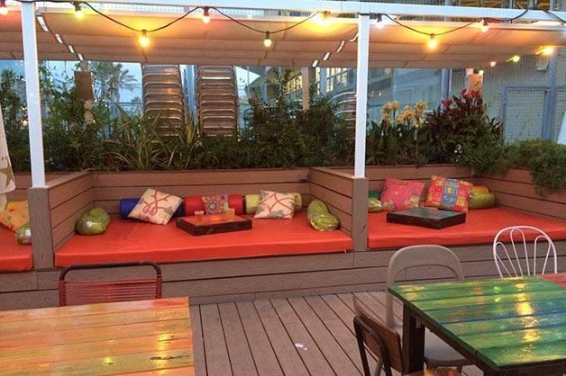 Bars de plage petite vir e dans nos xiringuitos favoris for Piscine qui fuit