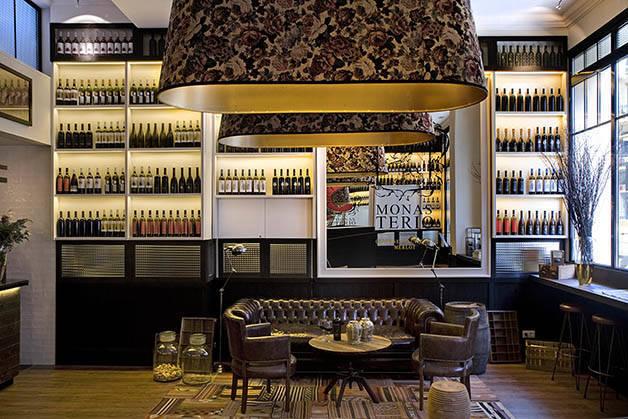 praktik vinoteca un h tel douillet d di l 39 univers du vin. Black Bedroom Furniture Sets. Home Design Ideas
